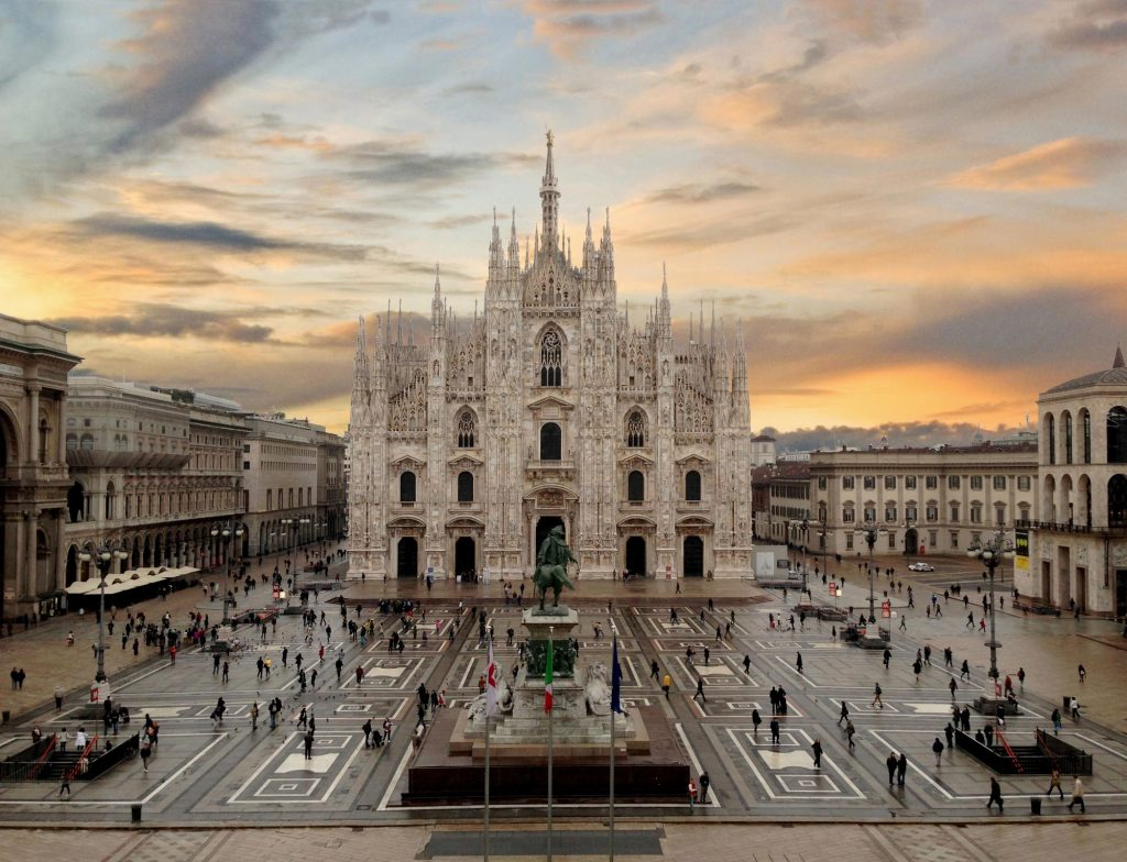 piazza duomo milan italy church cathedral fast fashion stores